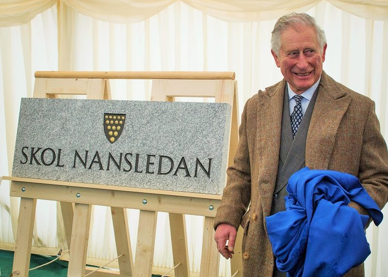 The Duke of Cornwall has unveiled the name of the new primary school planned for Nansledan.